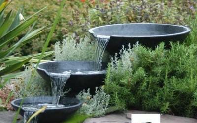 les cascades de jardin de formidables d corations. Black Bedroom Furniture Sets. Home Design Ideas